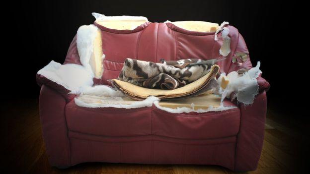 Los rellenos de algunos sofás contienen estos compuestos. (THINKSTOCK).