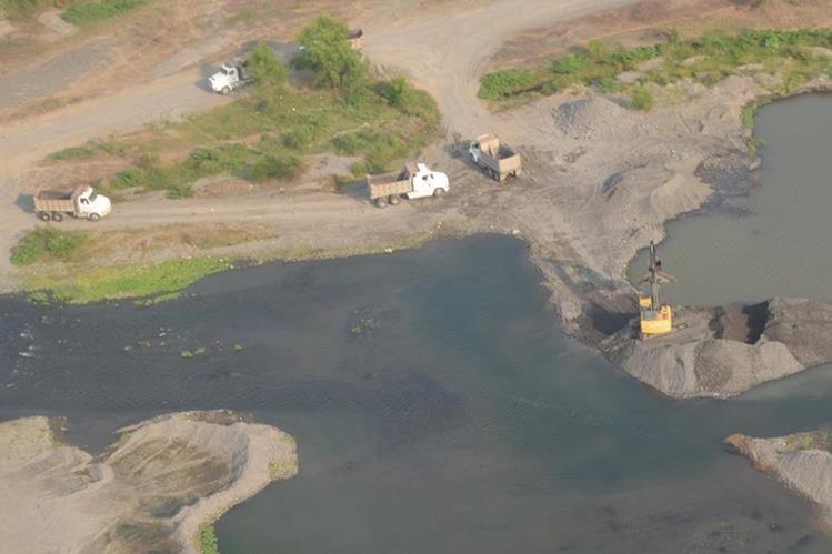 MARN reveló recientemente que al menos 50 caudales en la Costa Sur están desviados. (Foto Prensa Libre: Hemeroteca PL)
