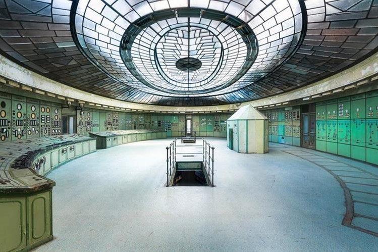 """""""Esta hermosa sala de control es única en su tipo y fue construida en un bello estilo art decó"""", cuenta Roman Robroek, el autor de esta fotografía que tomó en la estación Kelenföld, en Budapest, Hungría. ROMAN ROBROEK"""
