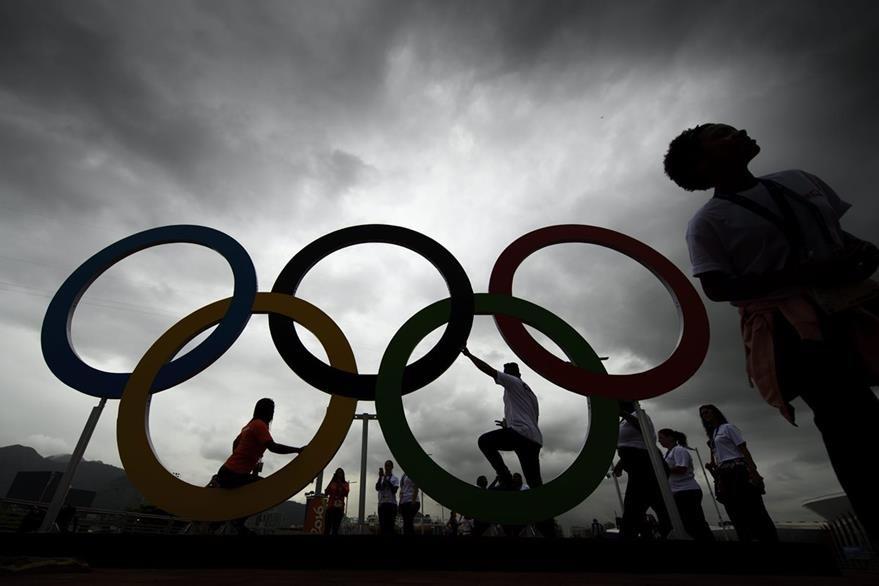 Todas las personas están listas y esperan con ansiedad la gran inauguración de los Juegos. (Foto Prensa Libre:EFE)