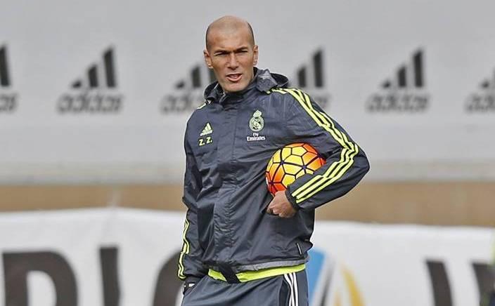 Zinedine Zidane, durante el entrenamiento del Real Madrid. (Foto Prensa Libre: Real Madrid)