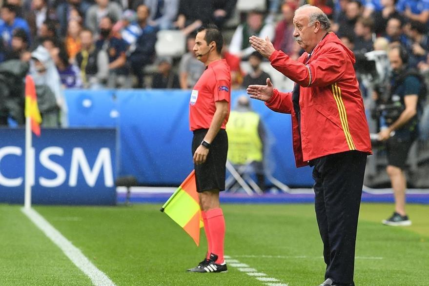 Del Bosque dirigió por última vez a España en la Eurocopa 2016 de Francia. (Foto Prensa Libre: AFP)