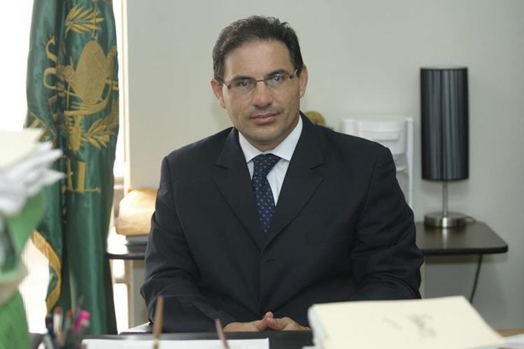 El juez de Extinción de Dominio, Marco Antonio Villeda, es separado de los casos de Otto Pérez Molina. (Foto Prensa Libre: Hemeroteca PL)