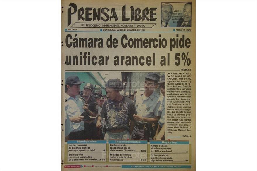 Portada de Prensa Libre del 24 de abril de 1995, con la postura de la Cámara de Comercio. (Foto: Hemeroteca PL)