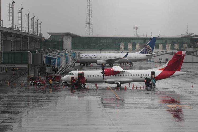 El estudio sobre el aeropuerto internacional La Aurora costaría US$1.5 millones.(Foto Prensa Libre: Hemeroteca PL)