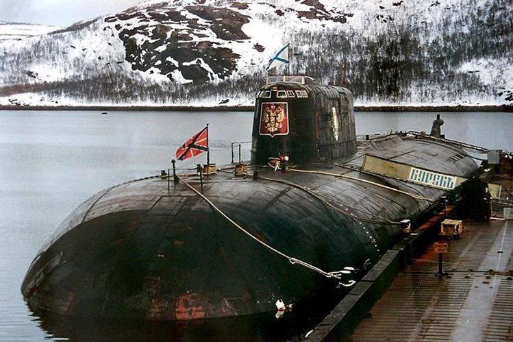 Submarino nuclear Kursk en base de Vidyayevo. (Foto: AFP)