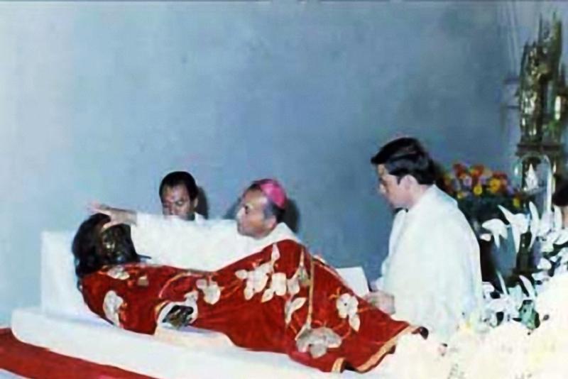 Consagración del Señor Sepultado de San Felipe en 1986. (Foto: Hemeroteca PL)