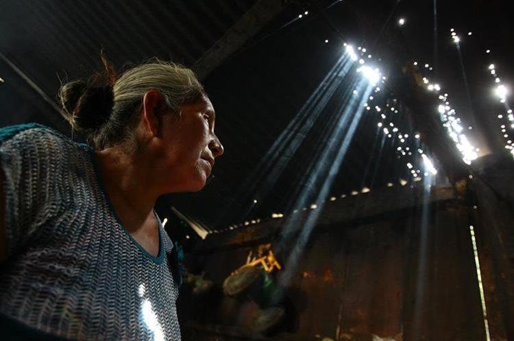 Familias en las faldas del Volcán de Fuego se enfrentan al coloso, la pobreza y el olvido.