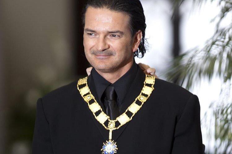 Ricardo Arjona devolvió la condecoración que recibió en el 2013. (Foto Prensa Libre: Hemeroteca PL)