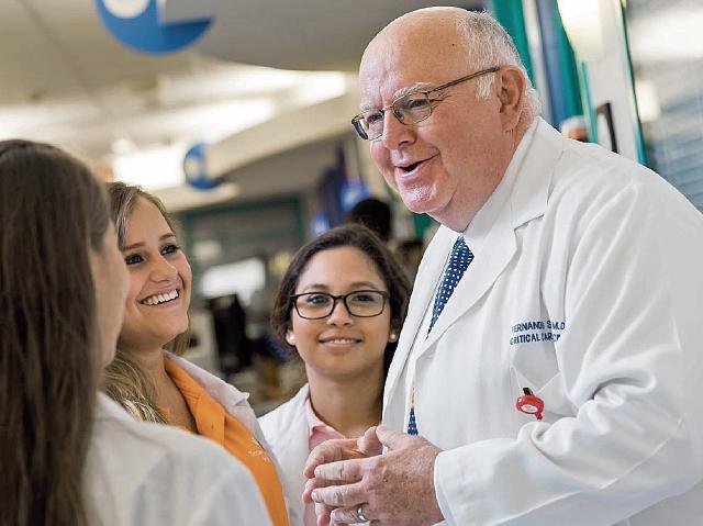 FERNANDO STEIN se ha especializado en medicina crítica para niños.