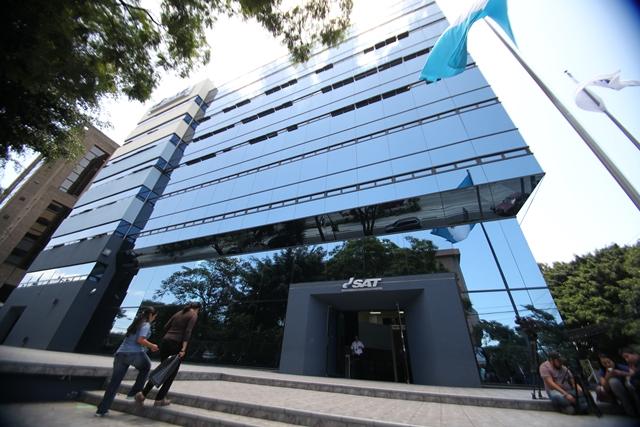 Según el jefe de la SAT, Juan Solórzano Foppa, a esa institución no le han afectado las exoneraciones de multas e intereses que ha concedido el presidente Jimmy Morales. (Foto Prensa Libre: Hemeroteca PL)