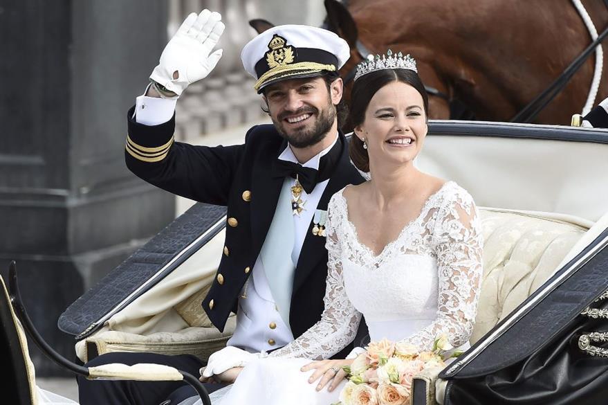 El príncipe Carlos Felipe de Suecia y su esposa Sofía Hellqvist, que se casaron en junio de 2015, se estrenarán como padres en 2016. (Foto Prensa Libre: EFE)