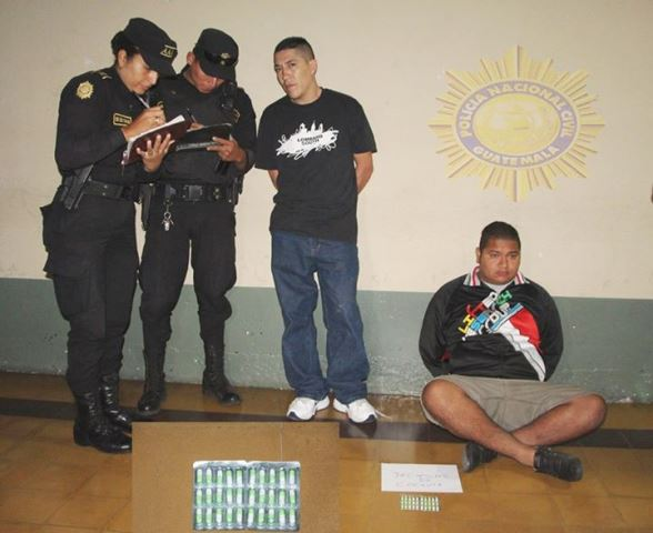 Los aprehendidos fueron consignados a los Tribunales correspondientes. (Foto Prensa Libre: PNC)
