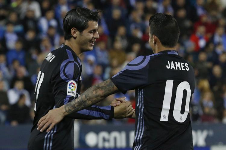 El colombiano James celebra durante el partido del Real Madrid y el Leganés. (Foto Prensa Libre: EFE)