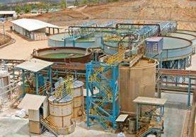 de acuerdo con el Ministerio de Energía y Minas, hay siete proyectos mineros suspendidos.