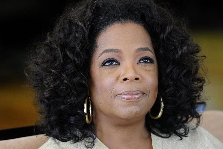 Oprah Winfrey producirá programas para Apple