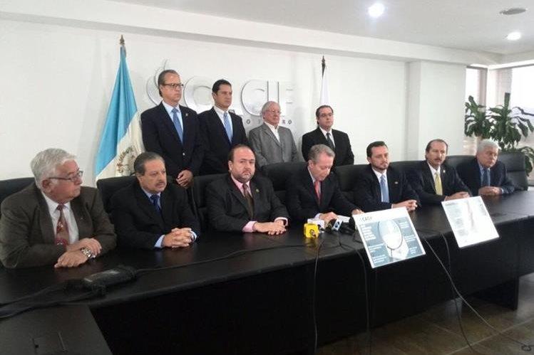 La cúpula empresarial demanda cambios al actual sistema político. (Foto Prensa Libre: Érick Ávila)