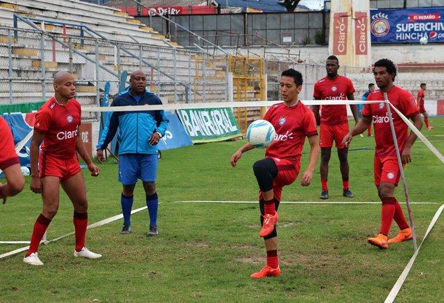 Xelajú entrenó esta mañana listo para el partido de la noche. (Foto Prensa Libre: Carlos Ventura)