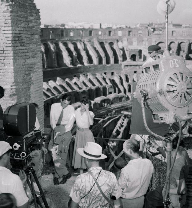 Su imagen se consolidó al servir de fondo para la galardonada película Vacaciones en Roma, con la actuación estelar de Gregory Peck y Audrey Hepburn. GETTY IMAGES