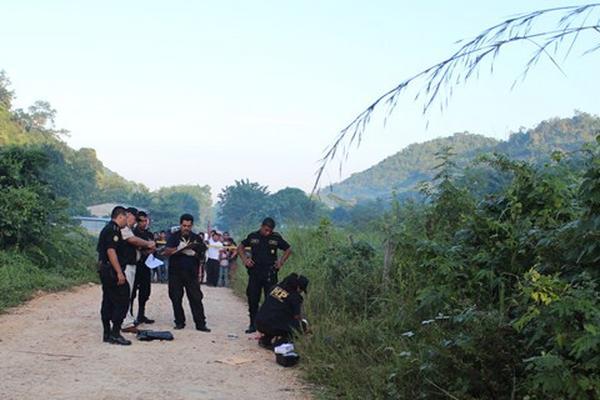 """<p>El cadáver de una persona que no fue identificada fue encontrado esta madrugada en San Benito. (Foto Prensa Libre. Rigoberto Escobar)<br _mce_bogus=""""1""""></p>"""