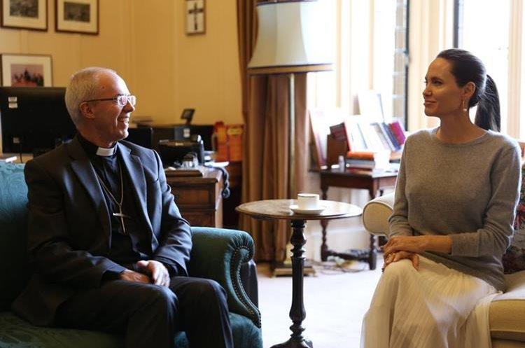 Jolie se reunió con el arzobipo Justin Welby. (Foto Prensa Libre: @JustinWelby)