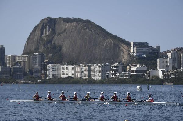 Equipo Polonia asistir a una sesión de entrenamiento de remo en Río de Janeiro.(AFP).
