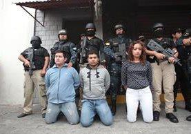 Tres de las cuatro personas capturadas señaladas del secuestro de un niño de 10 años. (Foto Prensa Libre: Hemeroteca PL)