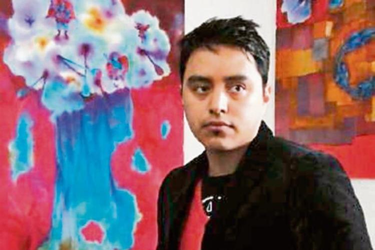 El artista guatemalteco Francisco García radica en Londres.