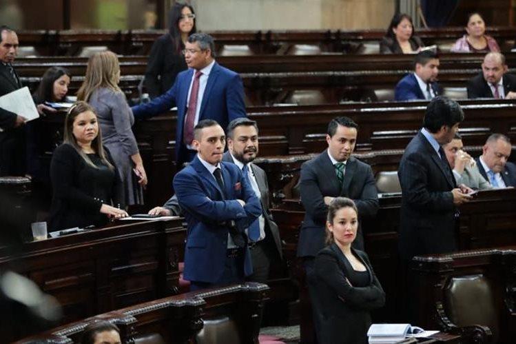 Diputados opositores no pudieron reunir los votos para el voto de falta de confianza para el ministro Alfonso Alonzo. (Foto Prensa Libre: Álvaro Interiano)