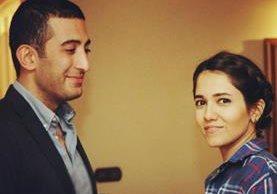 El estadounidense Roozbeh Aliabadi publicó en sus redes sociales ésta fotografía junto a su novia iraní, Zhinous. (Foto Twitter/@roozbehaliabadi).