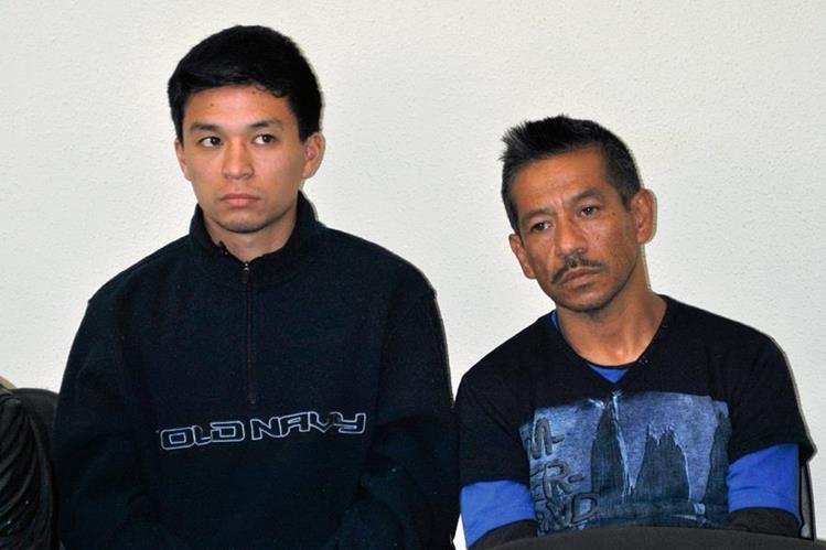 Hugo Paul Arrecis Yang junto a su padre Hugo Haroldo Arrecis, quedaron ligados a proceso. (Foto Prensa Libre: Alejandra Martínez)