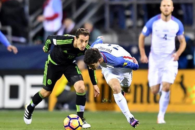 Guardado, en acción durante el juego de México frente a EE. UU. (Foto Prensa Lire: AFP)