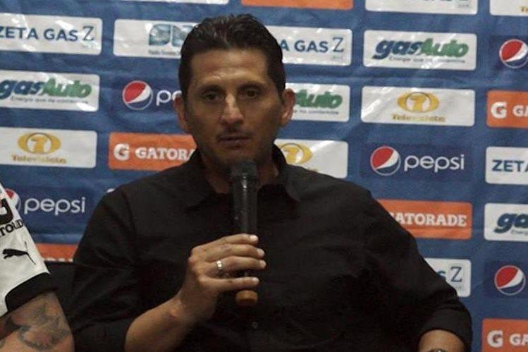 Ronald González asegura que se ha perdido mucho talento del futbol guatemalteco con la suspensión de la Fedefut. (Foto Prensa Libre: Jorge Ovalle).