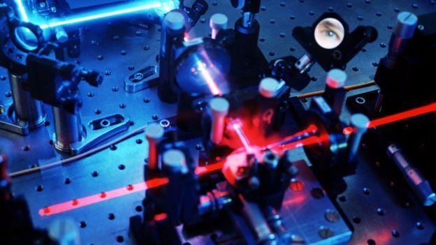 La comunicación cuántica utiliza luz para enviar información vital. SPL