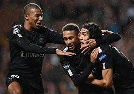 El brasileño Neymar, el francés Kylian Mbappé y el uruguayo Edinson Cavani fueron letales en el duelo frente al Celtic. (Foto Prensa Libre: EFE)