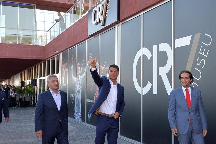 Cristiano Ronaldo invirtió €37 millones en la construcción de su hotel. (Foto Prensa Libre: AFP)