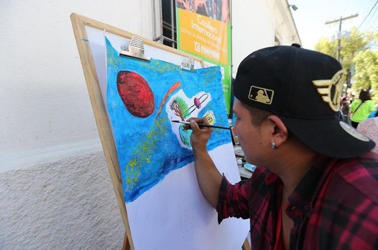 Este artista plasma su obra contra la violencia