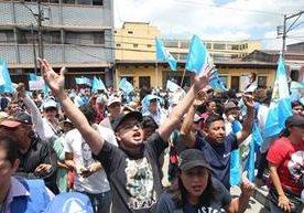 Guatemaltecos se manifiestan a favor del comisionado de la Cicig.