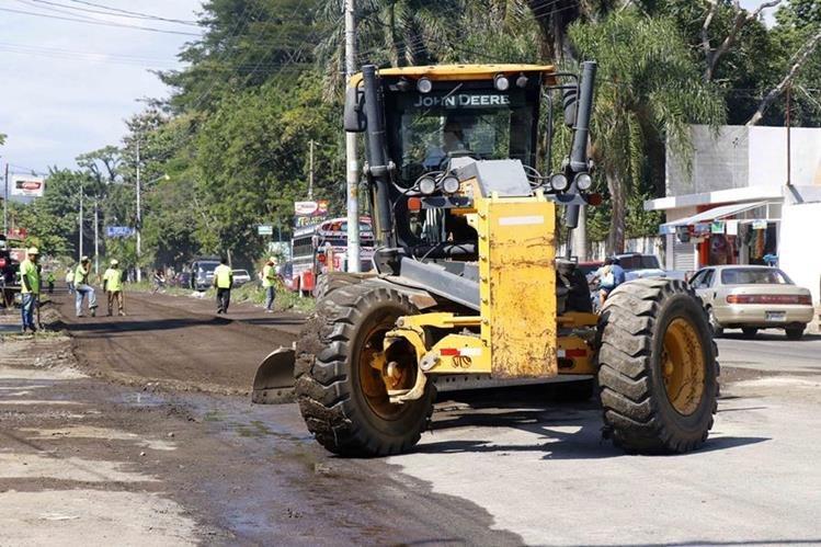 La maquinaria robada servía para los trabajos en el bulevar Centenario. (Foto Prensa Libre: Rolando Miranda).
