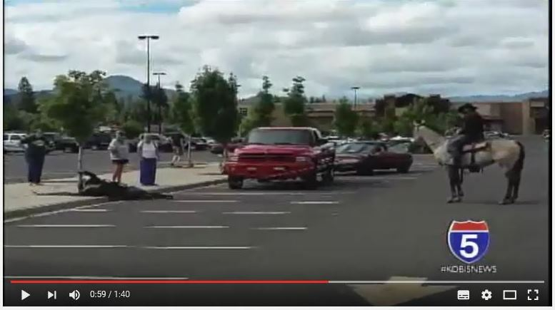 """En una localidad de Oregón fue capturado un ladrón de bicicleta. Foto tomada de un video de """"NBC5 News"""""""