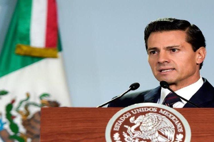 """Enrique Peña Nieto calificó como """"la mayor tranformación jurídica"""" de ese país en cien años.(Foto Prensa Libre:EFE)."""