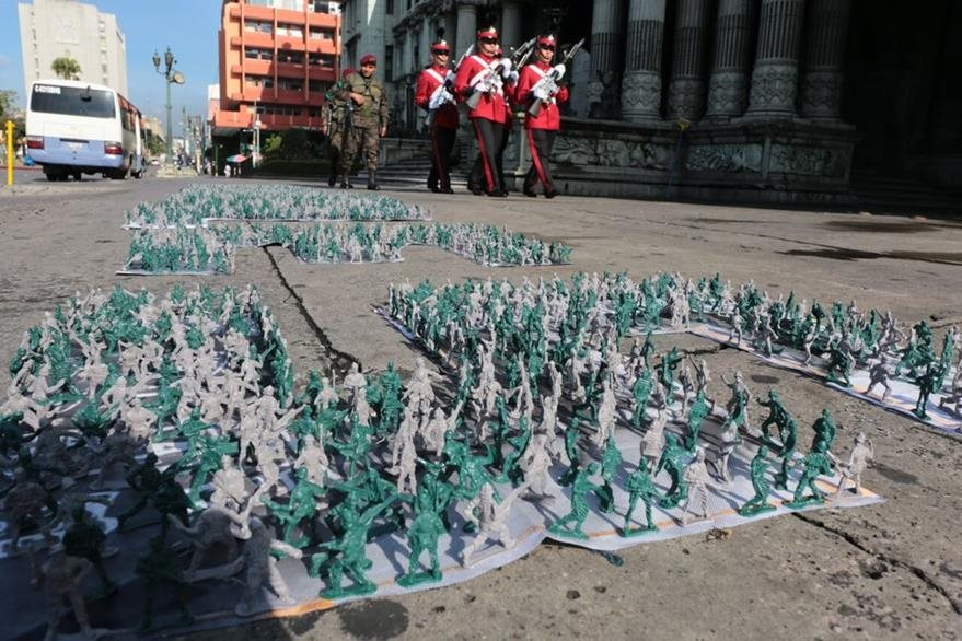 Imagen de la actividad de Proyecto 44,  frente al Palacio Nacional de la Cultura, el 30 de agosto, Día Mundial de las Desapariciones Forzadas.