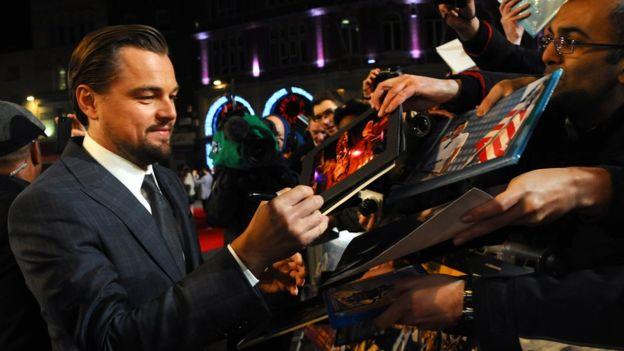 Las estrellas de cine son tal vez las más demandadas en el pedido de autógrafos. GETTY IMAGES