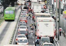 La Calzada Raúl Aguilar Batres figura entre las rutas más importantes de ingreso a la capital desde el sur del país. (Foto Prensa Libre: Hemeroteca PL)