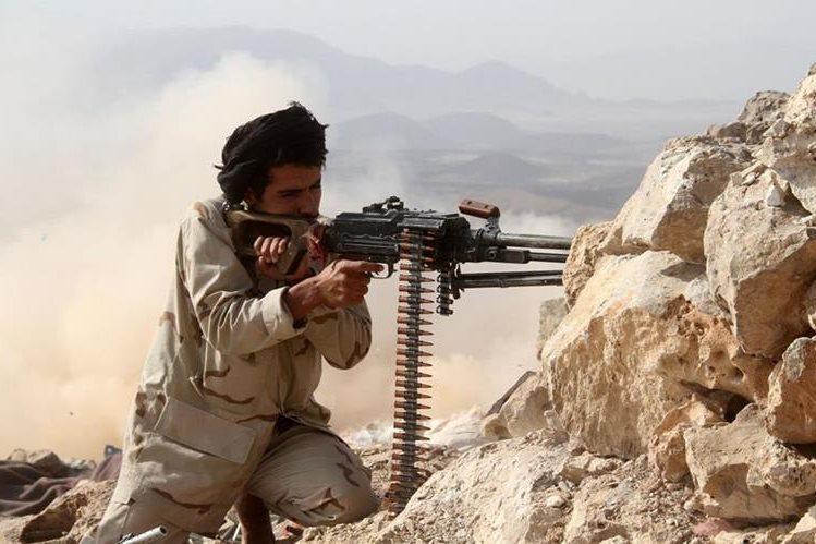 Un combatiente en Yemen. (Foto Prensa Libre: EFE).