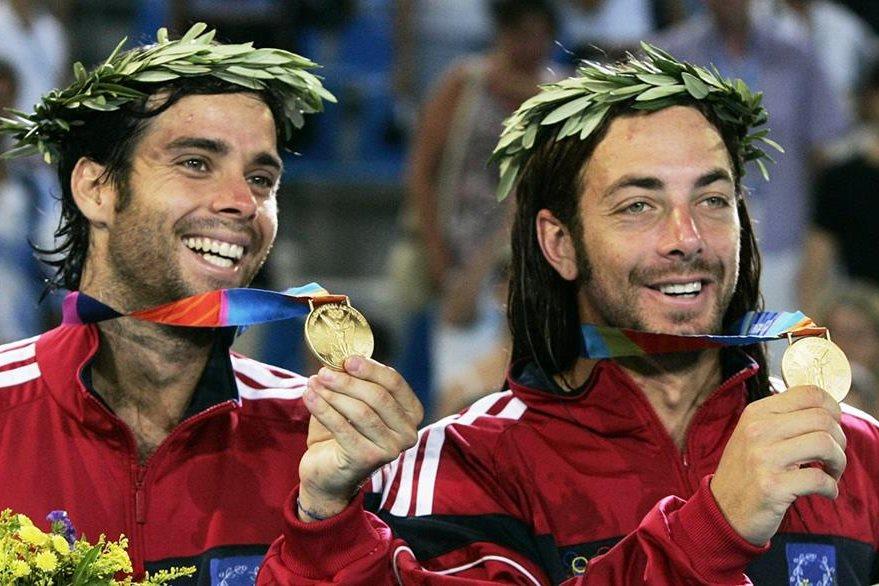 Fernando González y Nicolás Massu dieron a Chile su primera medalla de oro en Tenis por parejas. (Foto: AP)