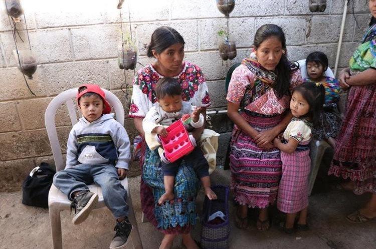 En la actualidad el programa atiende  a 110 niños, cuando uno de ellos se recupera se da el espacio a otro infante. (Foto Prensa Libre: María José Longo)