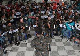 Orquesta Alaíde Foppa y Banda Marcial ofrecerán un concierto por los acuerdos de paz. (Foto Prensa Libre: Estuardo Paredes)