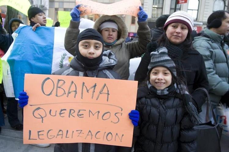 Grupo de inmigrantes centroamericanos pide su legalización en EEUU.