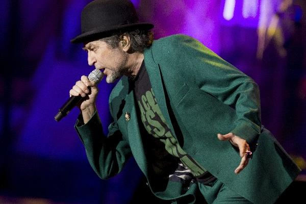 <p>El cantautor español Joaquín Sabina canceló su concierto en Tijuana.</p>